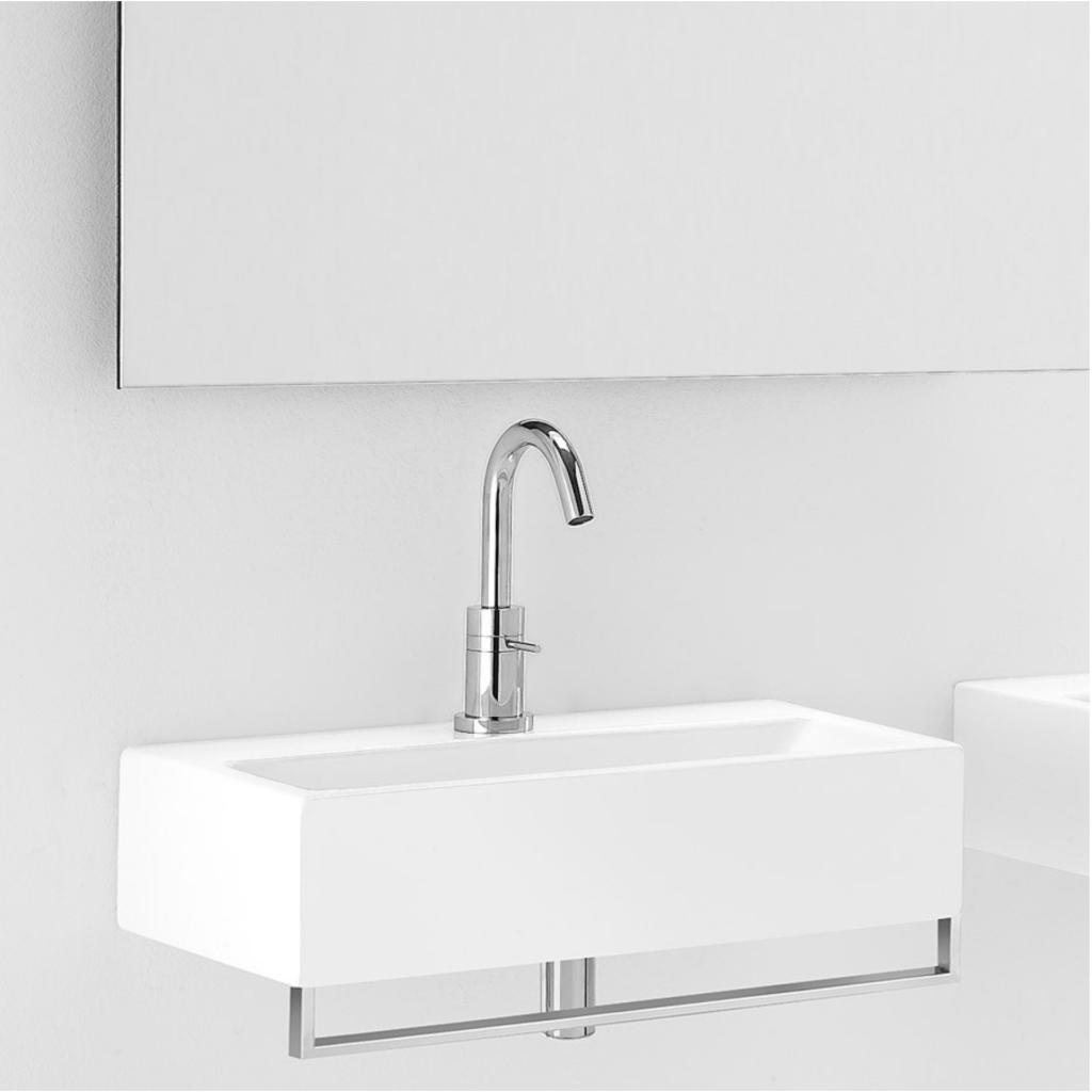 Smal håndvask til lille badeværelse